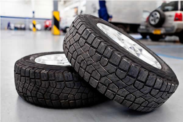 Qual a hora ideal para trocar os pneus do meu carro ou moto?